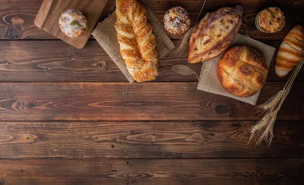 Widok z góry na różnorodność ciast