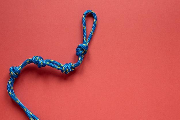 Widok z góry niebieska lina z miejscem na kopię węzła