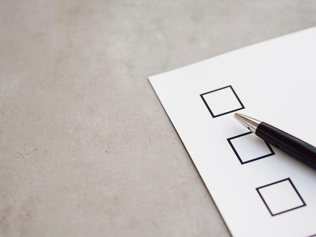 Widok z góry nowego kwestionariusza wyborczego