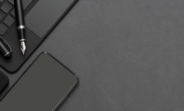 Widok z góry nowoczesny obszar roboczy z czarną klawiaturą komputerową, długopisem i smartfonem na blacie z czarnej skóry, miejsce na kopię.