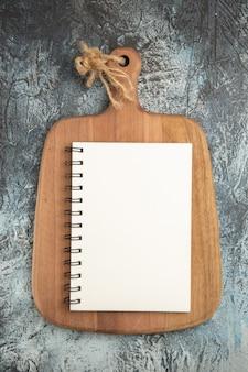 Widok z góry otwarty notatnik