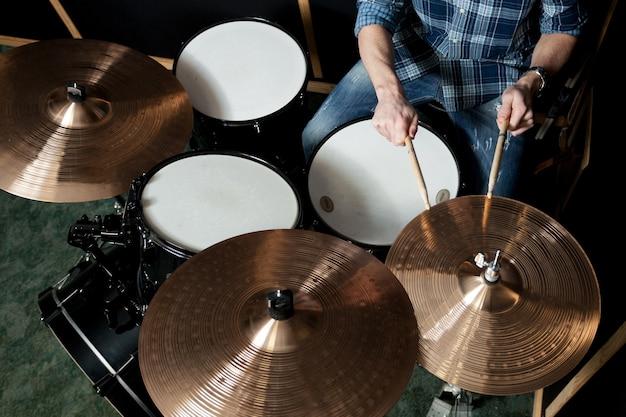 Widok z góry perkusisty
