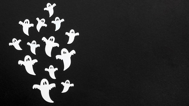 Widok z góry przerażające duchy halloween z miejsca na kopię