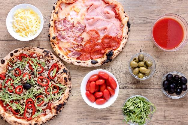 Widok z góry pyszna kompozycja pizzy