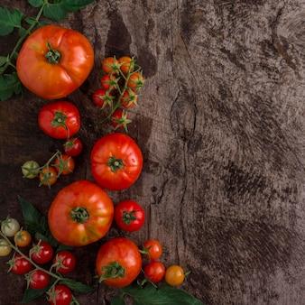 Widok z góry pyszne pomidory ramki