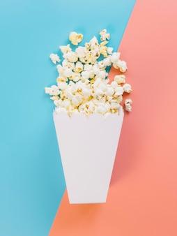 Widok z góry pyszne pudełko popcornu