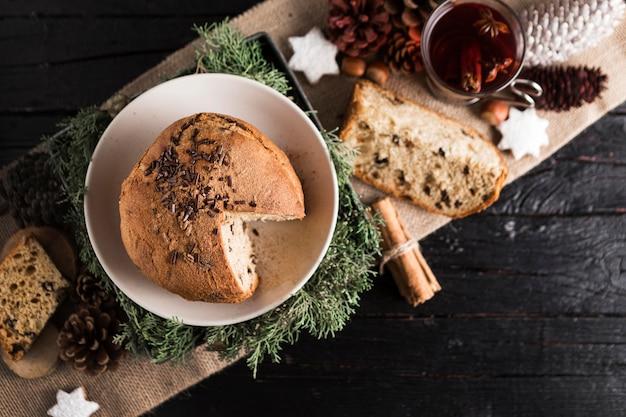 Widok z góry pyszny chleb bożonarodzeniowy