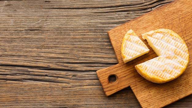Widok z góry pyszny ser z miejsca kopiowania