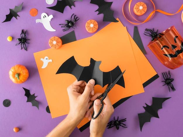 Widok z góry ręcznie wykonanych aranżacji halloween