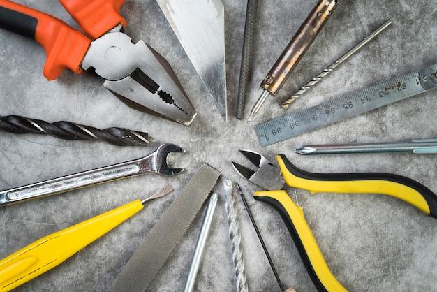 Widok z góry różnych rodzajów narzędzi