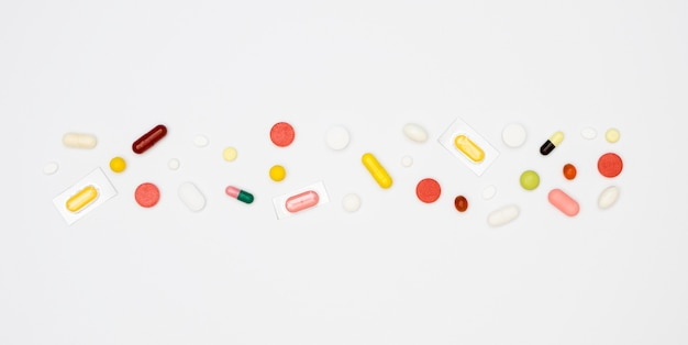 Widok z góry różnych tabletek