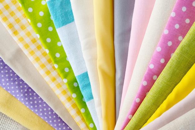 Widok z góry różnych tkanin