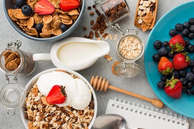 Widok z góry śniadanie ze zbóż