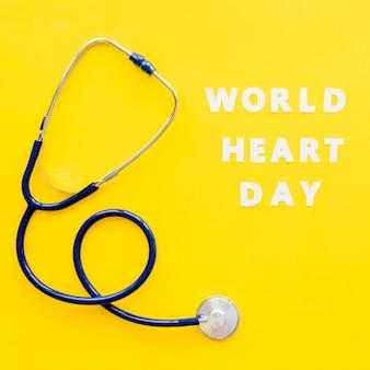 Widok z góry stetoskopu na dzień serca