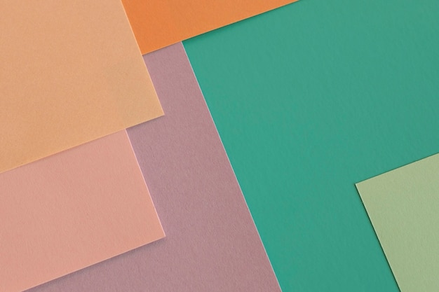 Widok z góry stos kolorowych warstw papieru