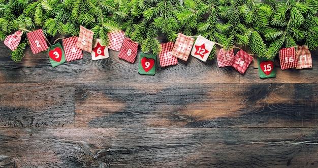 Widok z góry świąteczny kalendarz adwentowy