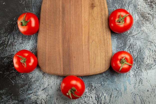Widok z góry świeże czerwone pomidory