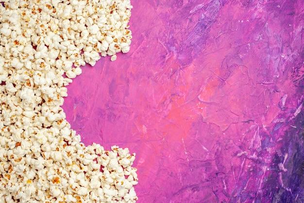 Widok Z Góry świeżego Popcornu Na Wieczór Filmowy Darmowe Zdjęcia