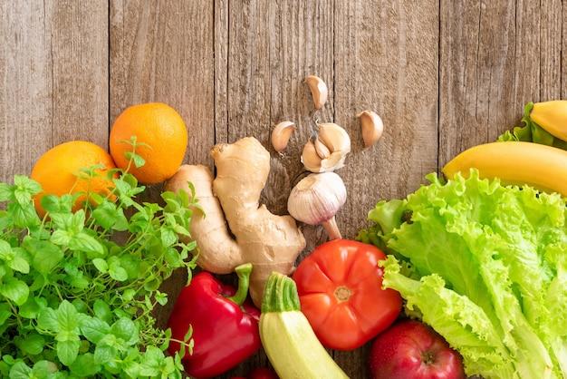 Widok z góry warzywa i owoce