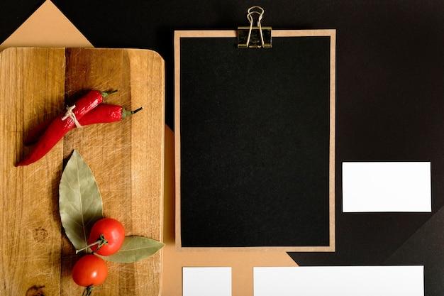 Widok z góry warzywa z miejsca na kopię