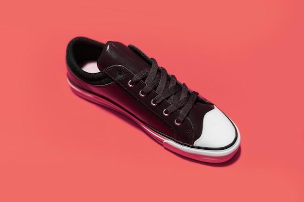 Widok z góry z rocznika butów tenisowych