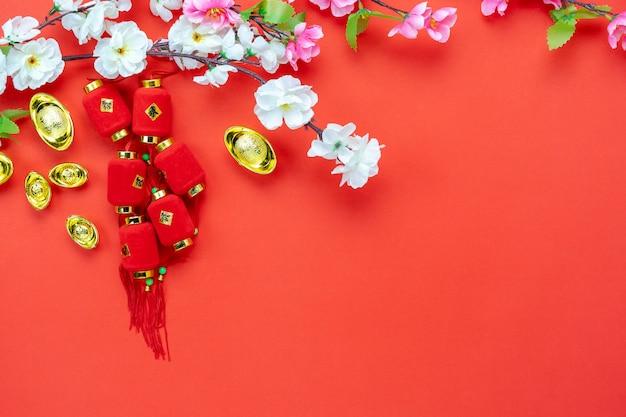 Widok z góry zdjęcia lotnicze ułożenia dekoracji chińskiego nowego roku.