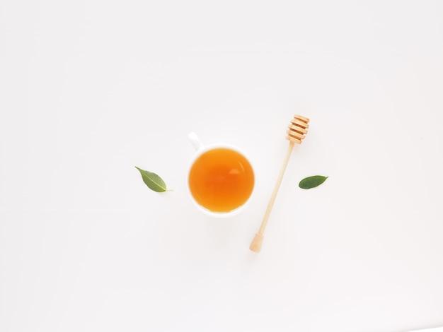 Widok z góry zdrowa herbata z miodem zdrowej żywności