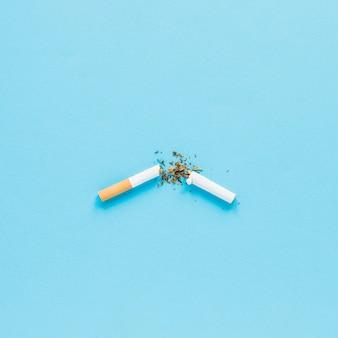 Widok z góry zepsuty papieros