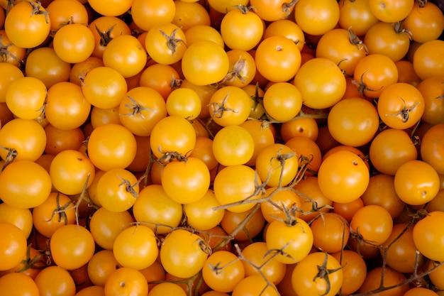 Widok z góry żółte pomidory koktajlowe