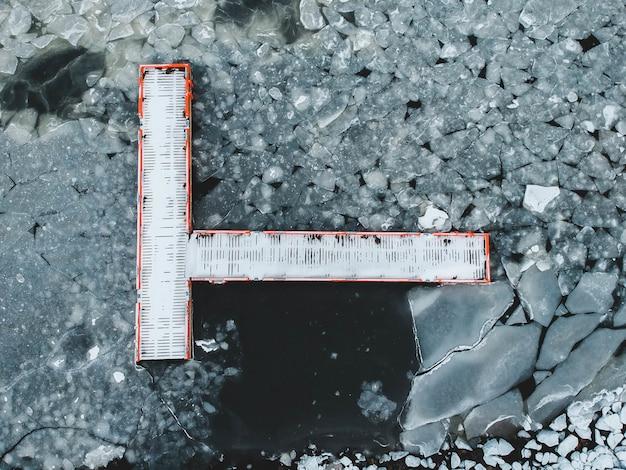 Widok z lodowatej wody