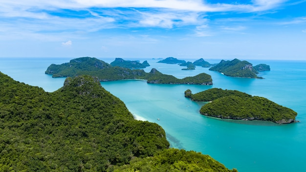 Widok z lotu ptaka ang thong narodowy morski park przy ko samui, smui, suratthani, tajlandia.
