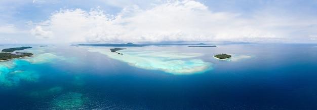 Widok z lotu ptaka banyak islands sumatra tropikalny archipelag indonezja