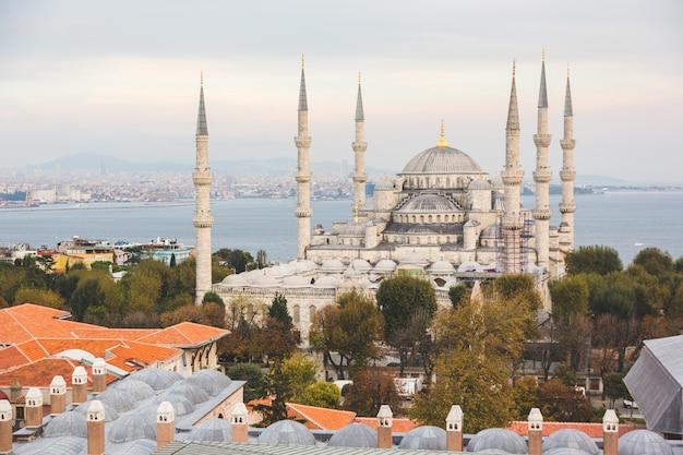 Widok z lotu ptaka błękitny meczet w istanbuł