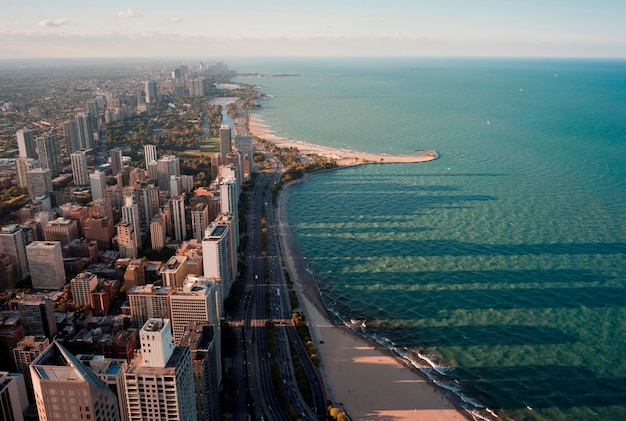 Widok z lotu ptaka chicago, lake shore drive i lake michigan