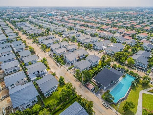 Widok z lotu ptaka domowa wioska w bangkok thailand