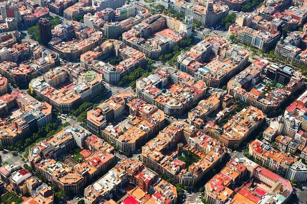 Widok z lotu ptaka dzielnicy eixample. barcelona, hiszpania