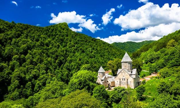 Widok z lotu ptaka klasztoru haghartsin w armenii
