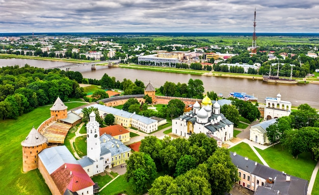 Widok z lotu ptaka kremla velikiy novgorod w rosji