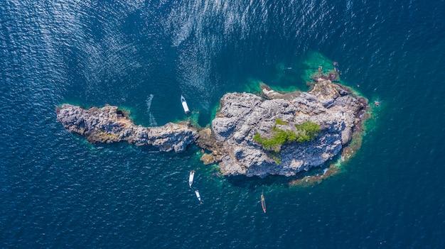 Widok z lotu ptaka lan ped wyspa lan kai, nurkowanie z rekinem wielorybim i snorkeling w tajlandii, chumporn