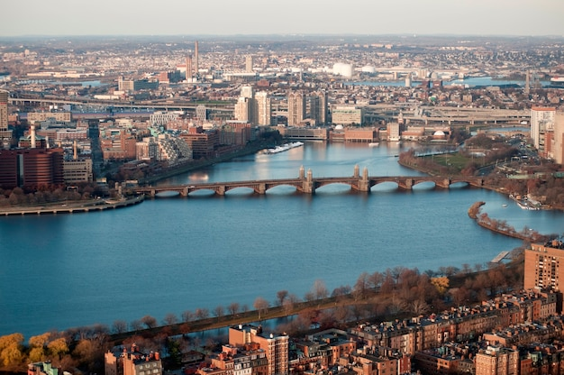 Widok z lotu ptaka longfellow most w boston, massachusetts, usa