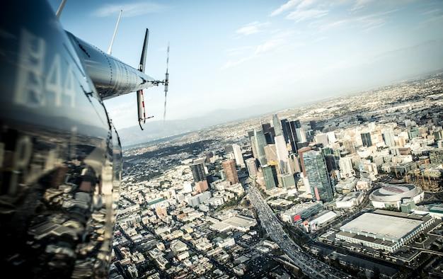 Widok z lotu ptaka los angeles z helikoptera