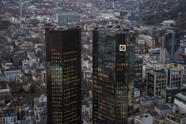 Widok z lotu ptaka miasta frankfurt nad menem w niemcy