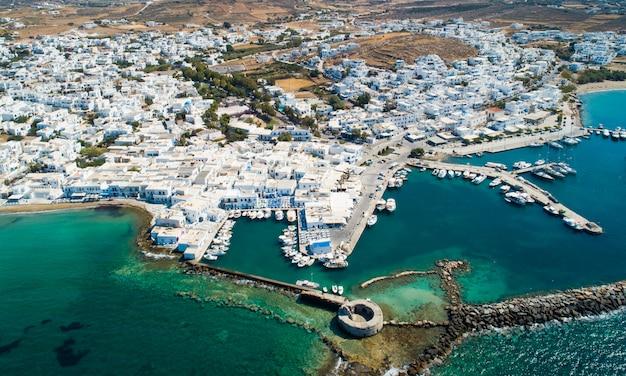 Widok z lotu ptaka miasta naoussa, grecja