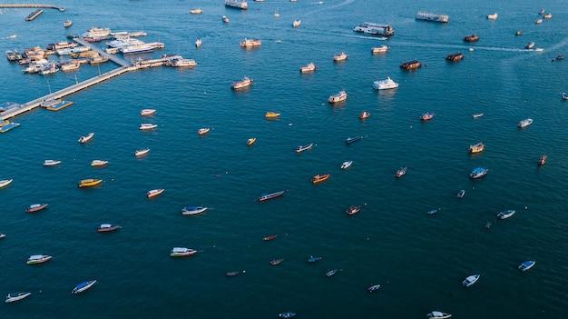 Widok z lotu ptaka morze w pattaya, tajlandia