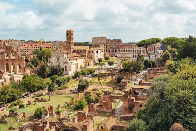Widok z lotu ptaka na forum romanum z palatino, rzym, włochy