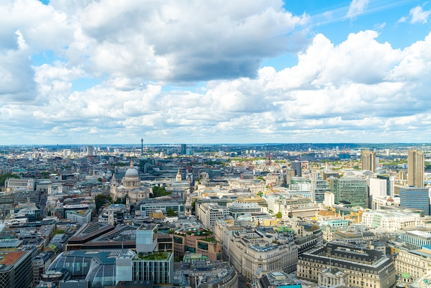Widok z lotu ptaka na londyn z tamizą