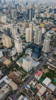 Widok z lotu ptaka na miasto