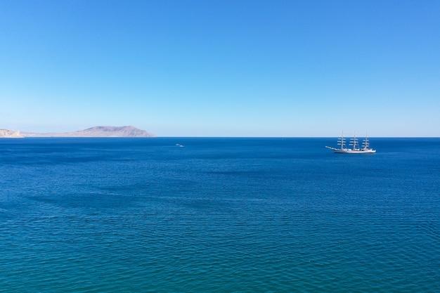 Widok z lotu ptaka na morze czarne