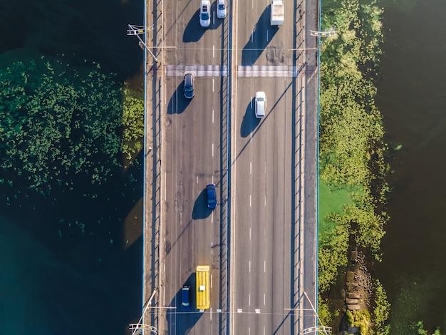 Widok z lotu ptaka na most północny przez dniepr