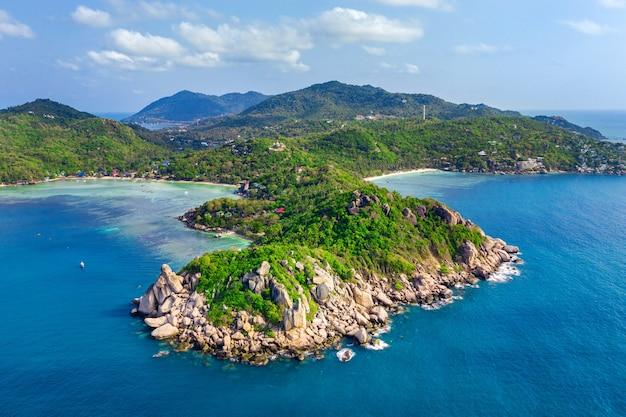 Widok z lotu ptaka na piękną wyspę koh tao w surat thani, tajlandia